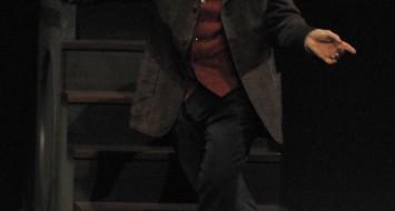 le 28/10/2014 Célestins Théâtre de Lyon Du 31 octobre au 9 novembre2014 Novecento De : Alessandro Baricco | Mise en scène : André Dussollier, Pierre-François Limbosch Avec André Dussollier Adaptation - André Dussollier, Gérald Sibleyras / Musicien(s) - Elio Di Tanna (pianiste), Sylvain Gontard (trompette), Michel Bocchi (batterie/percussions), Olivier Andres (contrebasse) / Direction musicale - Christophe Cravero / Scénographe - Pierre-François Limbosch / Créateur lumière - Christophe Grelié / Musique - Christophe Cravero / Image - Pierre-François Limbosch, Christophe Grelié © Christian GANET / PHOTOGRAPHE 18, rue du Paillet F-69570 DARDILLY Tèl:33(0)4 78 35 75 19 christian.ganet@orange.fr