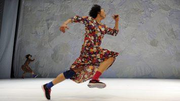 DANCING GRANDMOTHERS (4)