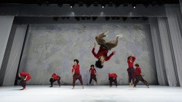 DANCING GRANDMOTHERS (5)