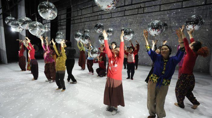 DANCING GRANDMOTHERS (6)