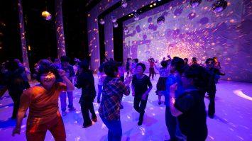 DANCING GRANDMOTHERS (9)