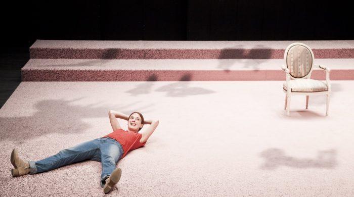 UN ALBUM - une pièce de Laetitia Dosch. Arsenic, Lausanne, le 03 juin 2015. ©Dorothée Thébert Filliger
