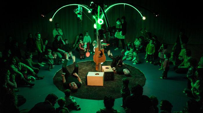"""Spectacle jeune public (0-3ans) Vincent et Mosai: """"Je me réveille"""". Création 2016"""