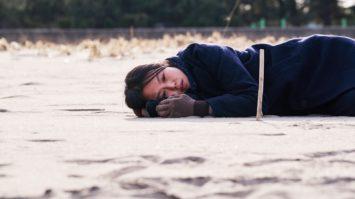 Seule-sur-la-plage-la-nuit-cover-2