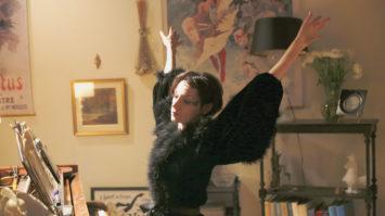 chanteuse-Jeanne-Balibar-incarne-lecran-modele-Barbara-decedee-juste-vingt_0_1399_933