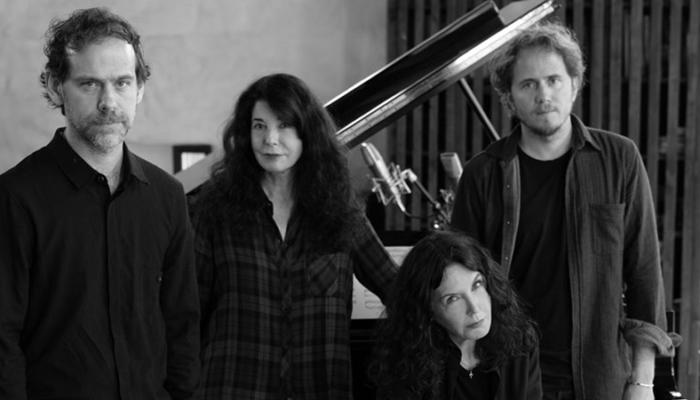 Katia & Marielle LabèqueDavid Chalmin, Bryce DessnerMinimalist Dream House Quartet